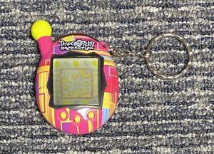 2004 Bandai Tamagotchi Connection Virtual Pet Pink Yellow Plaid Rare!