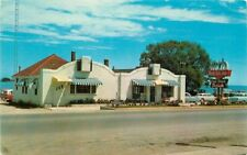 Belle Isle Finer Foods Restaurant St Ignance Michigan roadside Postcard 20-9288