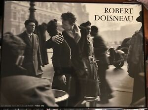 1950 Print Robert Doisneau Le Baiser De L' Hotel Deville
