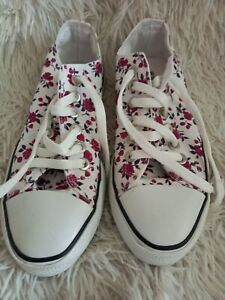 Ladies Girls Converse White Canvas with flowers Trainers Size UK 5/38