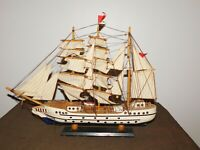 "VINTAGE 22"" LONG 17"" HIGH PIRATE WAR MODEL SAILING SHIP"