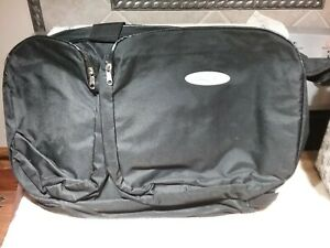 BLACK GYM SPORT, DUFFLE, GOLF BAG/OVERNIGHT TRAVEL BAG W/CARRY STRAP NEW