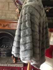 Dennis basso Warm Cape Poncho  Coat Plus Size 26 28 30 32 Grey Faux Fur Slimming