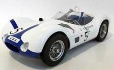 Modellini statici di auto, furgoni e camion CMC per Maserati