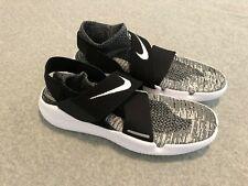Nike Free RN Motion FK 2018 Run Flyknit Black White Shoes 942840-001 Size 13 New