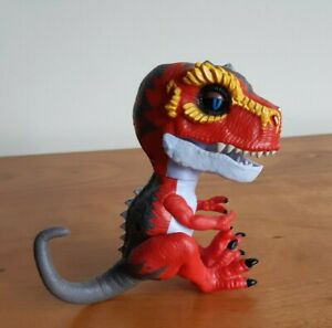 WowWee Fingerlings Untamed Raptor Interactive Cute Baby Dinosaur Toy Works