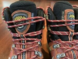 Womens Gore-Tex Asolo Hiking Boots (US SIZE 7)