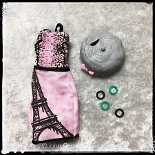 MONSTER HIGH ROCHELLE GOYLE SCARIS CITY OF FRIGHTS DRESS HAT BANGLES NEW