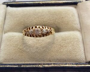 Beautiful Ladies Antique Victorian 1896 Solid 18CT Gold Five Stone Diamond Ring