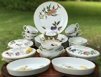 Royal Worcester Evesham Gold Dinnerware Set/Oven to TableWare Fruits England VGC