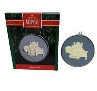 1991 Hallmark Keepsake Ornament Jesus Love Me Cameo