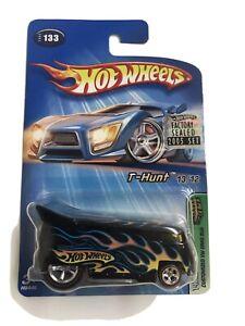 2005 Hot Wheels Treasure Hunt Black w/Flames Volkswagen Drag Bus