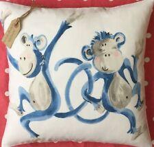 Cuscini in poliestere bianco per la decorazione della casa