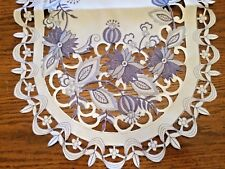 Delft Blue Onion Table Runner
