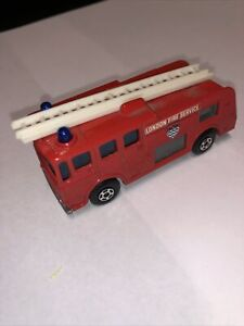 Matchbox Superfast No.35 Merryweather Fire Engine-London Fire Service;mint;nobox
