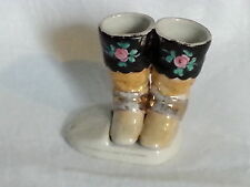 Victorian ANTIQUE CERAMIC Bottes design vintage Striker match holder