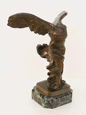 Statue Victoire de SAMOTHRACE en bronze Cachet des Musées Nationaux France n°656