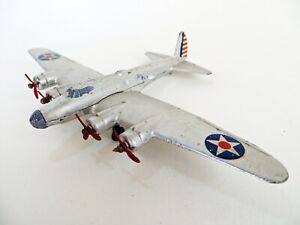 DINKY 62g 'BOEING B17 LONG RANGE FLYING FORTRESS BOMBER, WWII USAF PLANE'. GOOD.