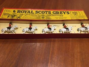 Britains Royal Scots Greys 2 Dragoons #32 pre-1970 lead toy soldiers w/box