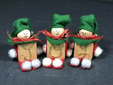 """Christmas Decorations Tabletop Three Little Snowmen Joined With Ribbon """"Joy"""" NEW"""