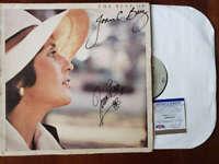 Joan Baez PSA DNA Coa Signed The Best Of Album w/ Vinyl Autograph