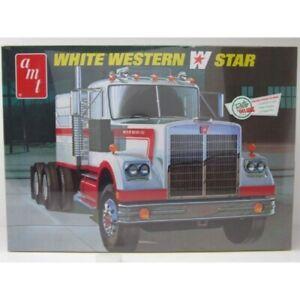AMT 1/25 White Western W Star Kit (New)