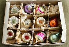 More details for a charming mid century 1950s box of christmas baubles, crystella, british made