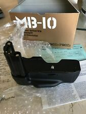 New Nikon MB-10 Battery Grip for F-90 N-90s