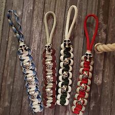 1 Schlüsselanhänger - Para-cord 550 Typ III - 4 Skulls - Schädel - Farbe wählbar
