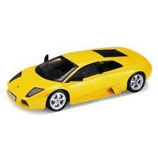 Modellini statici auto gialla scala 1:18