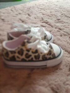 Baby leopard print converse size 3