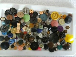 Huge Lot!!! Antique, Vintage, Victorian Unsorted Collectable Buttons!!!