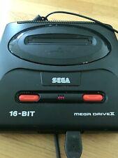 Sega Mega Drive II Spielekonsole - Schwarz (PAL) mit zwei Controller