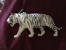 Safari Ltd. Wildlife Wonders White Siberian Tiger