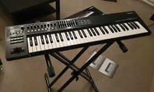 Roland A800 Pro Synthesizer / MIDI Keyboard Controller