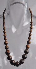 Collier ethnique en bois marron n° 4