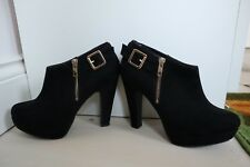New Look Black Low cut heel ankle boots ( faux suede) (Size 5) (Good Condition)