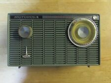 Motorola All Transistor Radio with Pop-Up Handle XT18B 1960 - Unsure if it Works