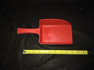 Harold Moore Polypropylene food safe red   Stable And Yard Feed Scoop pick mix