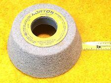 ***NEW*** NORTON 32A46-J8VBE GRINDING WHEEL 4/3 x 1-1/2 x 1-1/4   5730 RPM