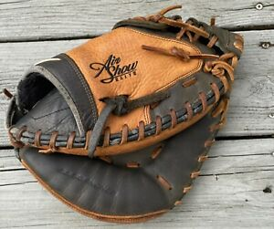 """Nike Diamond Ready Air Show Right Handed Leather Catchers Mitt 33.5"""""""