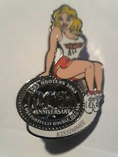 HOOTERS RESTAURANT 20th ANNIVERSARY GIRL KISSIMMEE LAPEL BADGE PIN