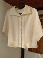 Lovely soft Specchio knit acrylic cream cardigan cape, 10 12 14