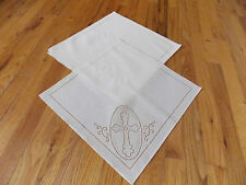 """Heritage Lace Polyster """"White"""" Cross Design Square Napkins 4 in set (500)"""
