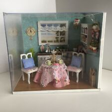 DIY LED Puppenstube KITCHEN Miniatur *FERTIG ZUSAMMENGEBAUT*
