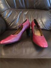 Clarks Cushion Soft Comfort Leather size 5 womens shoes Burgundy Leather Heel gx