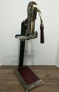 VINTNERS RESERVE Table Top WINE BOTTLE CORKSCREW OPENER With Stand