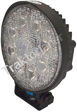 8555 Ein LED Arbeitsscheinwerfer mit 1800  12/24 Volt Traktor Mc Cormick
