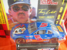 TERRY LABONTE TONY THE TIGER 1/64 scale 1997 WITH COLLECTOR CARD & STAND
