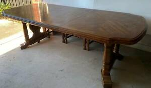 Walter of Wabash, Jamestown, Tennessee Dining Table with 6 Chairs Old furniture